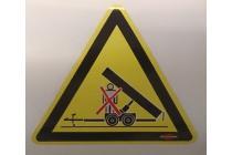 Aufenthalt unter gehobener Ladebrücke verboten